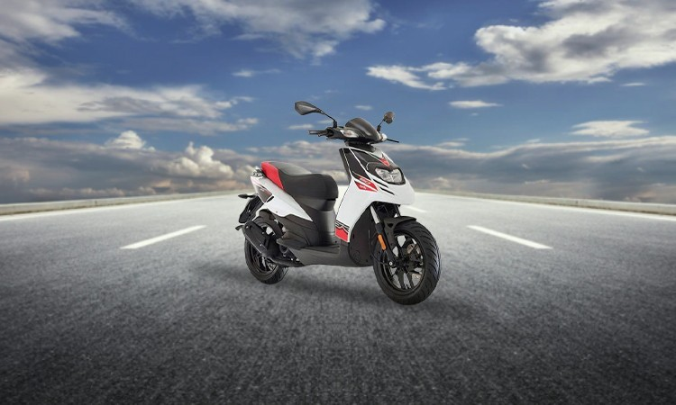 Aprilia SR 150 Price, Mileage, Review - Aprilia Bikes