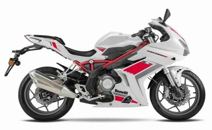 Dsk benelli bn 302r price mileage review dsk benelli bikes for Yamaha r3 mpg