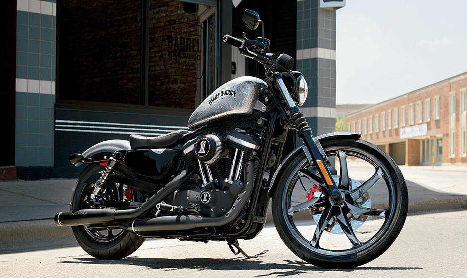 harley davidson iron 883 price mileage review harley davidson bikes. Black Bedroom Furniture Sets. Home Design Ideas