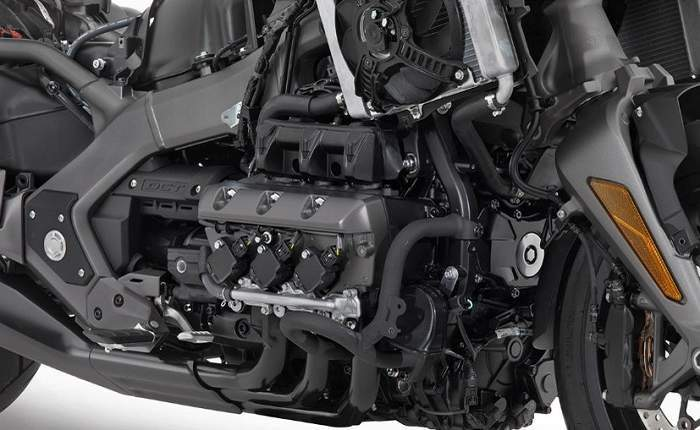Honda Gold Wing Price, Mileage, Review - Honda Bikes