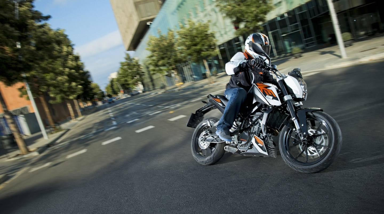 KTM 200 Duke Price, Mileage, Review - KTM Bikes on