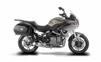 Dsk Benelli Tnt 600 Gt Price Mileage Review Dsk