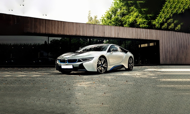 Bmw i8hybrid electric car price in india 8