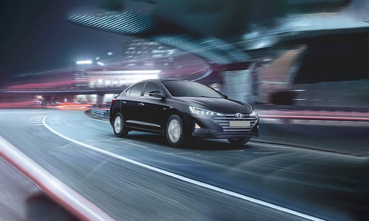 hyundai elantra price in india review images hyundai cars. Black Bedroom Furniture Sets. Home Design Ideas