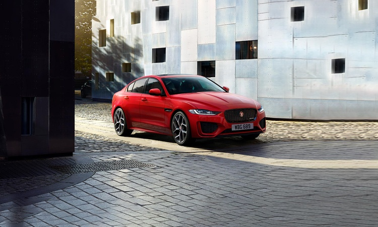 Jaguar XE Price In India, Images, Mileage, Features, Reviews   Jaguar Cars