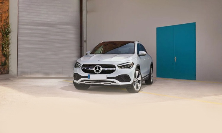Mercedes benz gla class india price review images for Mercedes benz big car