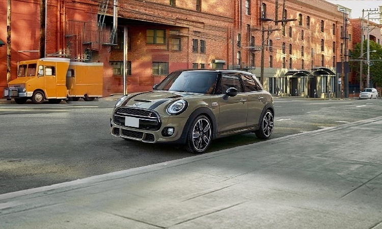 Mini 5 Door Images