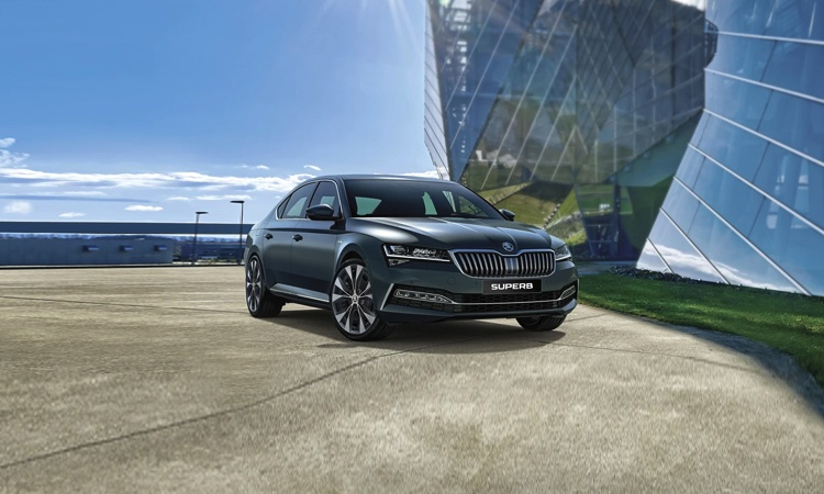 Skoda Superb Price In India Images Mileage Features Reviews