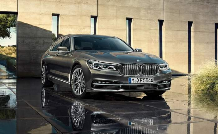 Bmw 7 Series Front 3 4th View