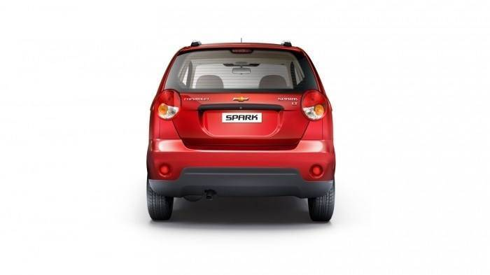 Chevrolet Spark 1 0 Lt Price Features Car Specifications