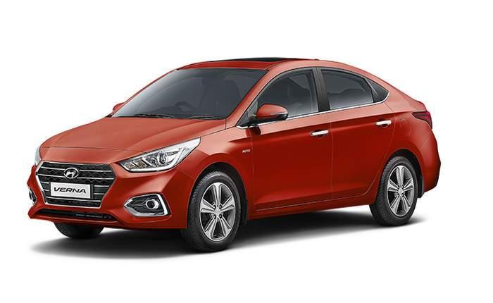 Hyundai Verna Side View