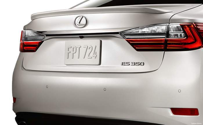 Lexus Es Back Side