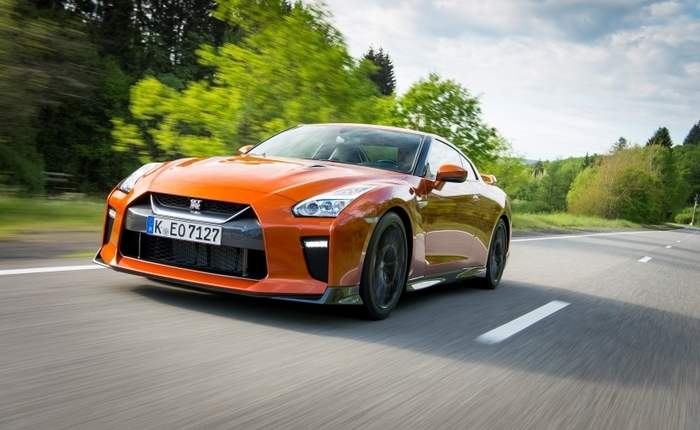 Nissan Gt R Front View