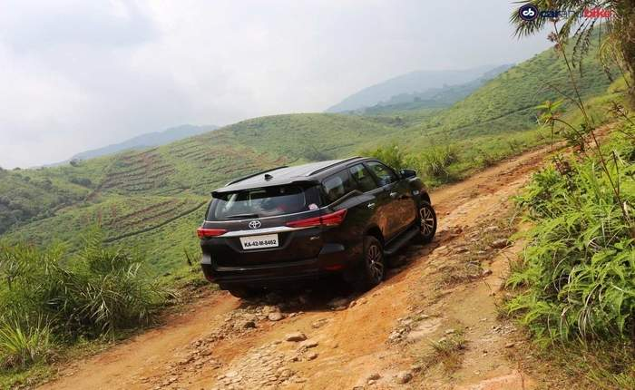 Toyota Fortuner Price In New Delhi Get On Road Price Of Toyota Fortuner