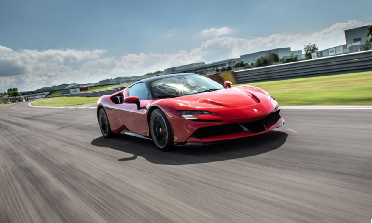 Ferrari Sf90 Stradale Price In India 2021 Reviews Mileage Interior Specifications Of Sf90 Stradale