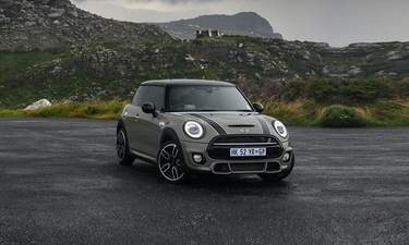 5 Door Car >> Mini 5 Door Price In India Images Mileage Features